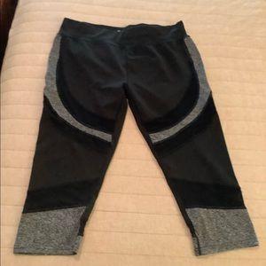 Women's Capri-length Atheleisure Wear